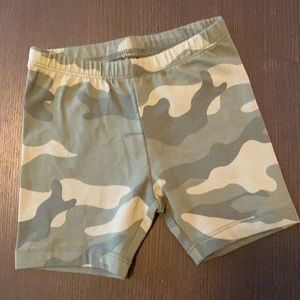 NWT Old Navy Toddler Camo Biker Shorts Size 4T